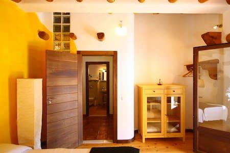 Attic Apartment with Terrace - Serón - House