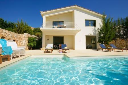 Ideales Resort Villa Porfyra - Kefalonia