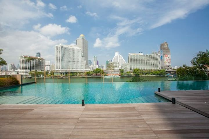 Bangkok CBD Luxury Apt.BTS by River