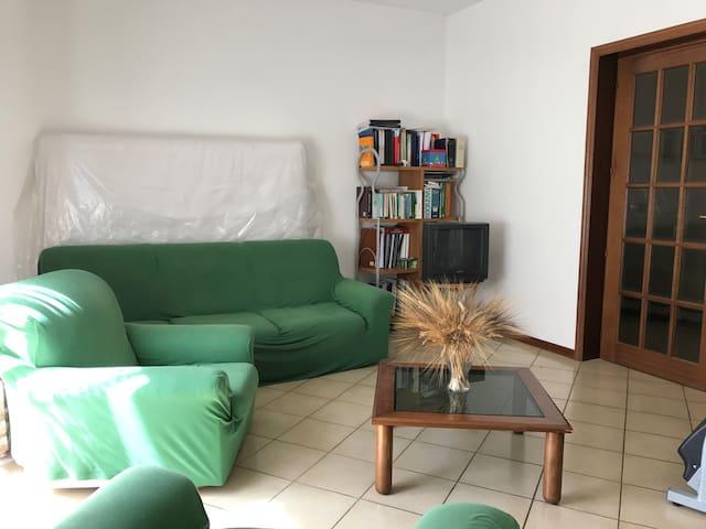 Appartamento a pochi km dal mare - San Salvo - Byt