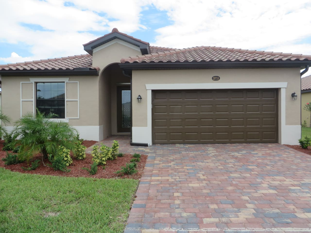 Fully Furnished 3 Bedroom 2 Bath House in Venice Florida