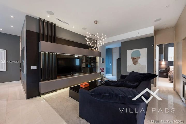 Villa Pads Lux modern for 10 with Pool! Walking