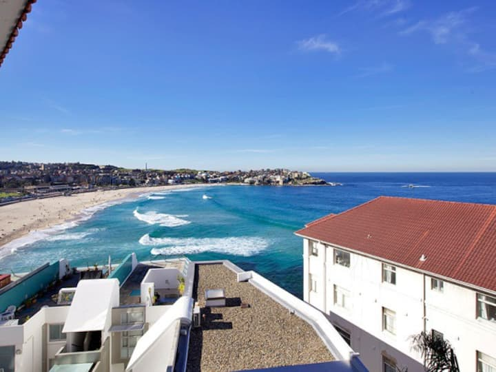 Bondi Beach views, studio + parking