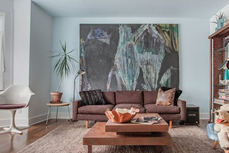 Admire Abstract Artwork at a Contemporary Hudson Hideaway