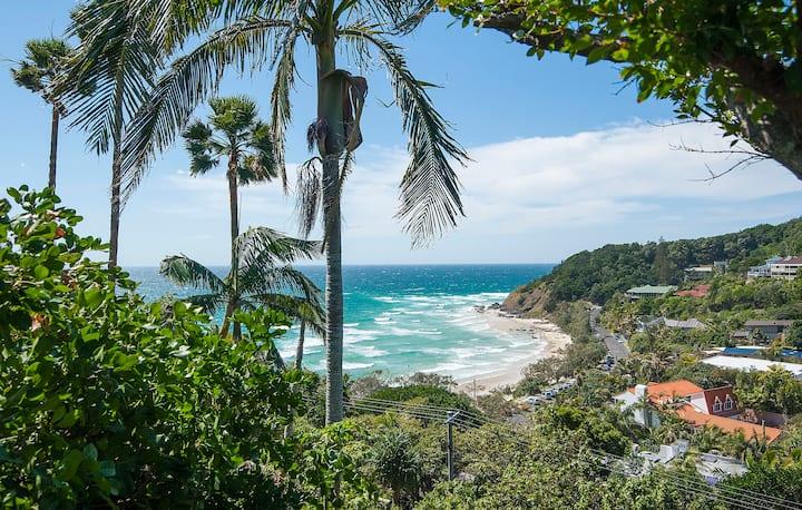 Wategos Beach Studio with great Views !