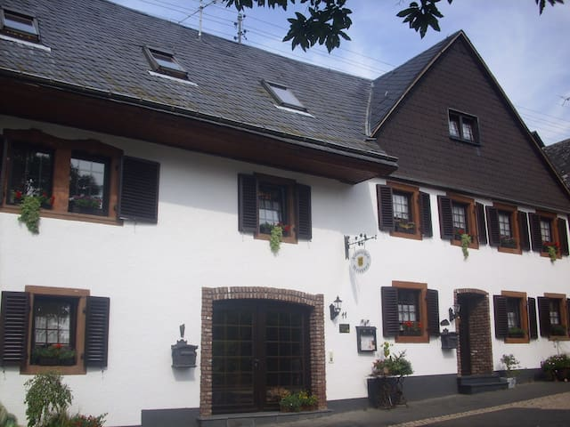 Flämisches Weinhaus - Wintrich - Apartment