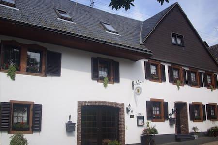 Flämisches Weinhaus - Wintrich - Apartmen
