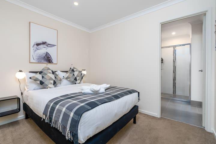 Comfy and elegant bedroom