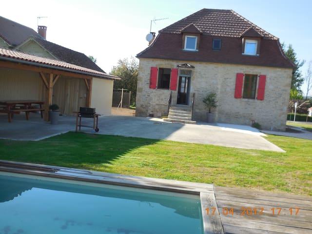 Maison quercynoise avec piscine Bretenoux - Bretenoux - Rumah