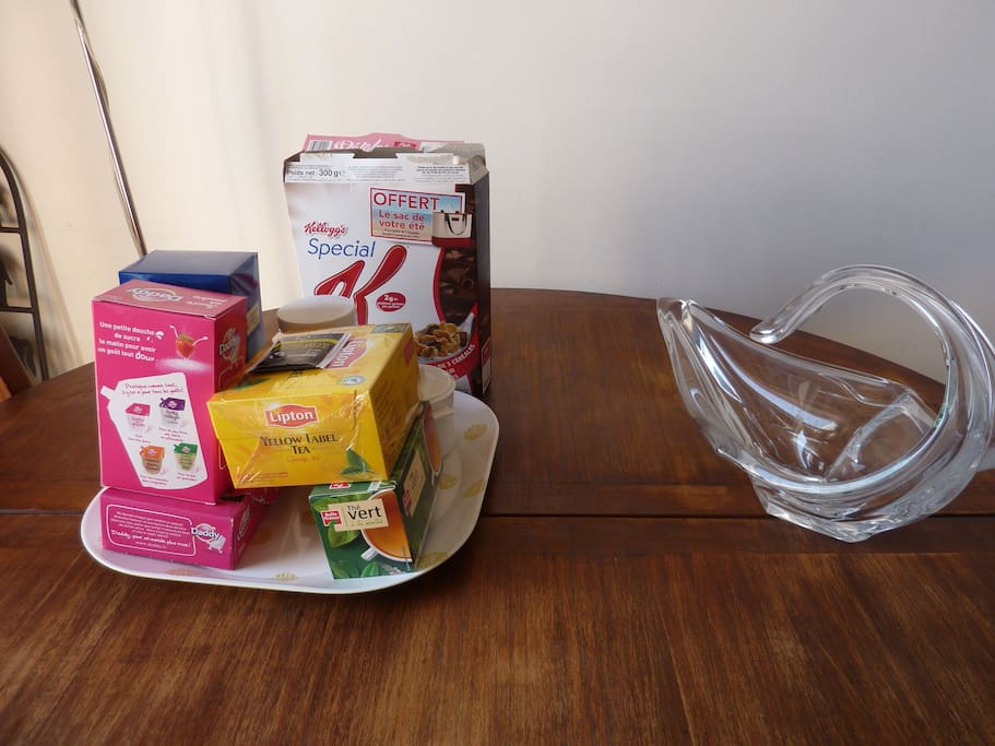 Tea, coffee, cereals for breakfast