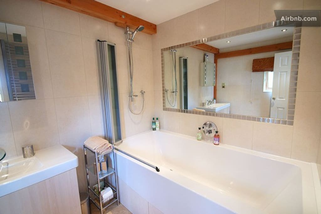Lodge Suite bathroom, with the largest tub in the Highlands!!