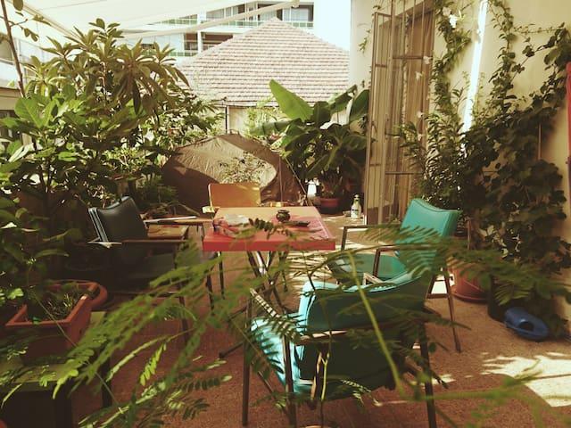 Gemmayze's rooftop - سطيحة الجميزة - Beirut - Lägenhet