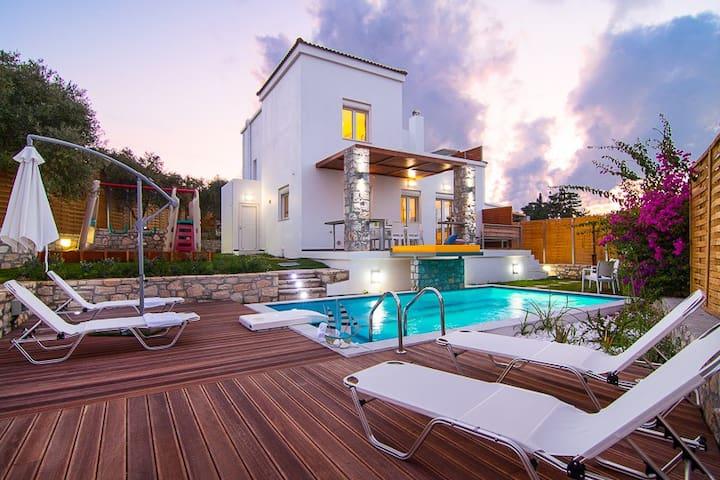 3BR,2BA,Luxury,heated swimming pool - Loutra - Reihenhaus