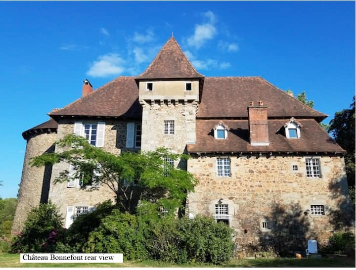 Charming medieval  Chateau-fort