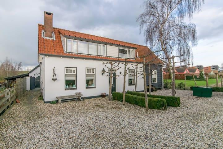 Karakteristieke Zeeuwse boerderijwoning,Wemeldinge - Wemeldinge - Casa