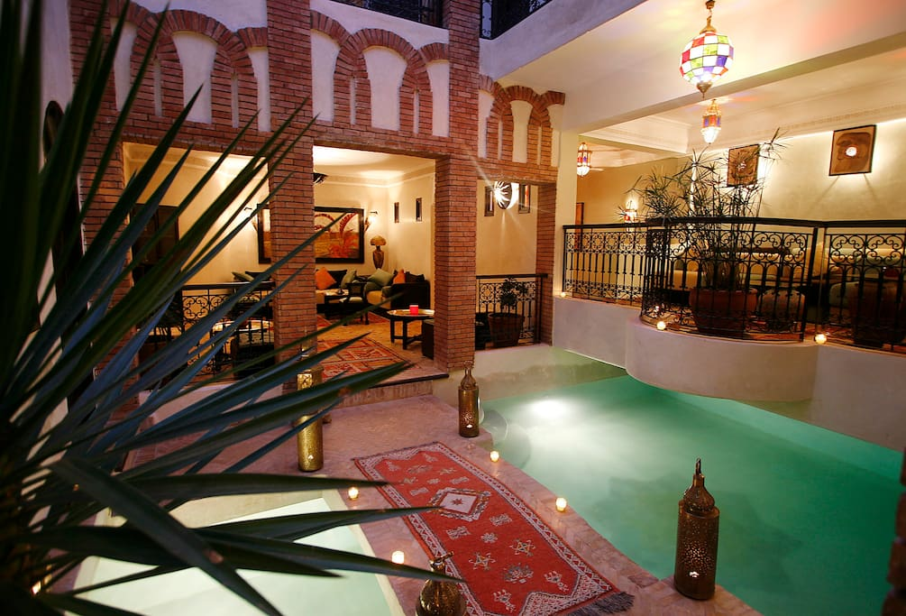Al rimal chambre acc s piscine et jacuzzi bed and for Riad piscine privee marrakech