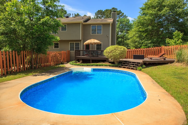 *MichaelRd_RENOVATED 5 Bdrm*Foosball*HotTub*Pool