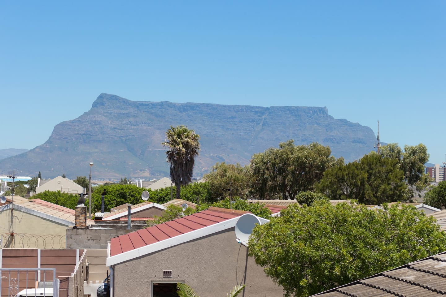 Phoenix Suburbs - Surrounding Areas with Table mountain view
