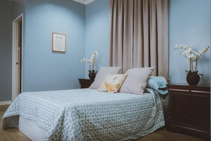 Bella Inn - Classic Queen Suite (Up to 2 pax)