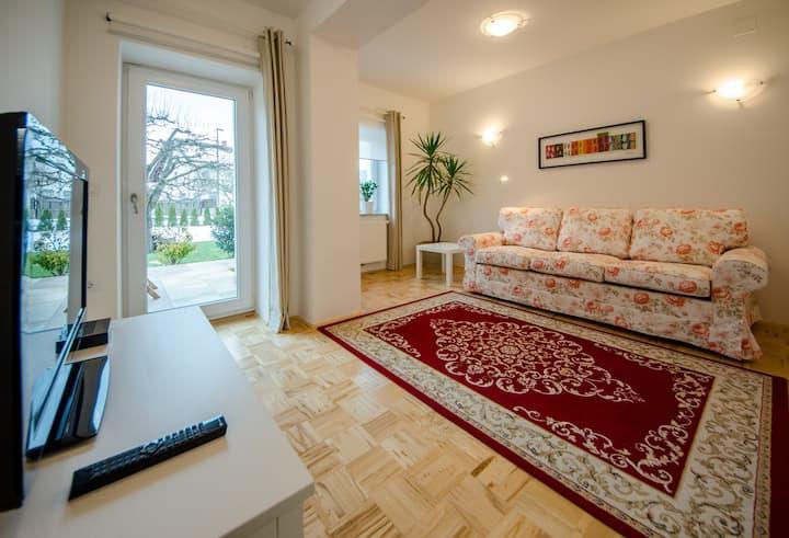 Spacious Red Apartment in a Villa