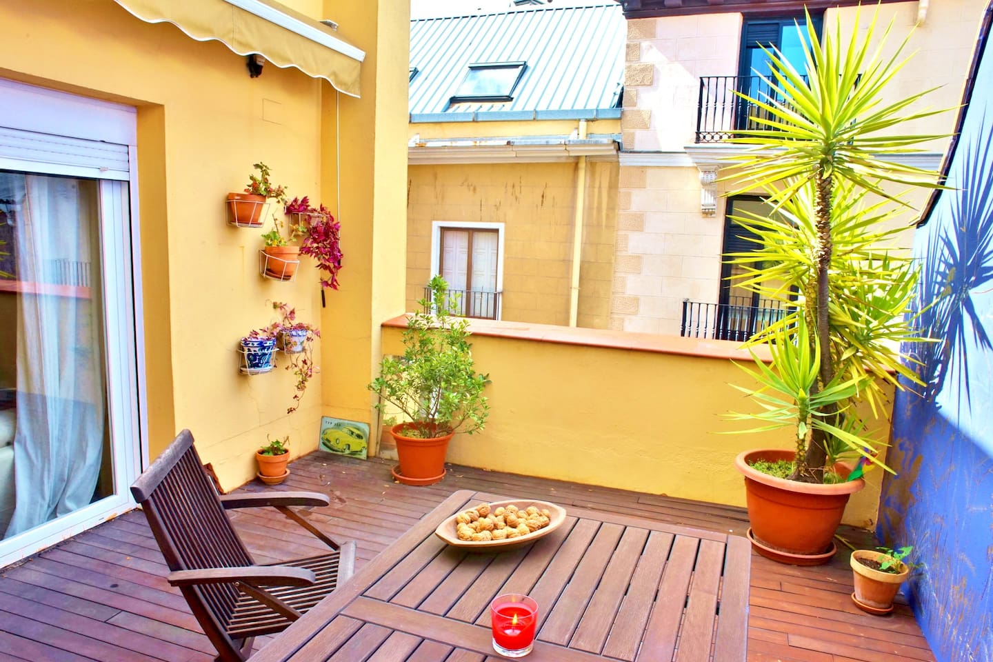 20m2 terrace. Access from the living room.