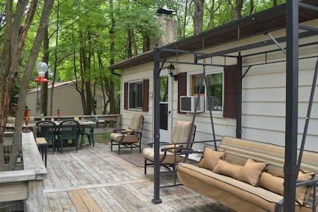 Front Porch Paradise - Pocono Cabin - Stuga