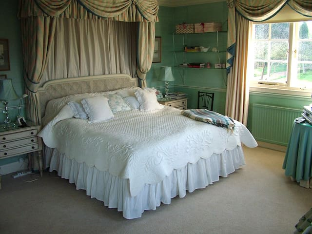 Wonderfully comfortable bedroom (No.1)  enSuite
