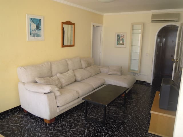 Magaluf Apartment, 100mts from beach up to 6 guest - Calvià - Appartement
