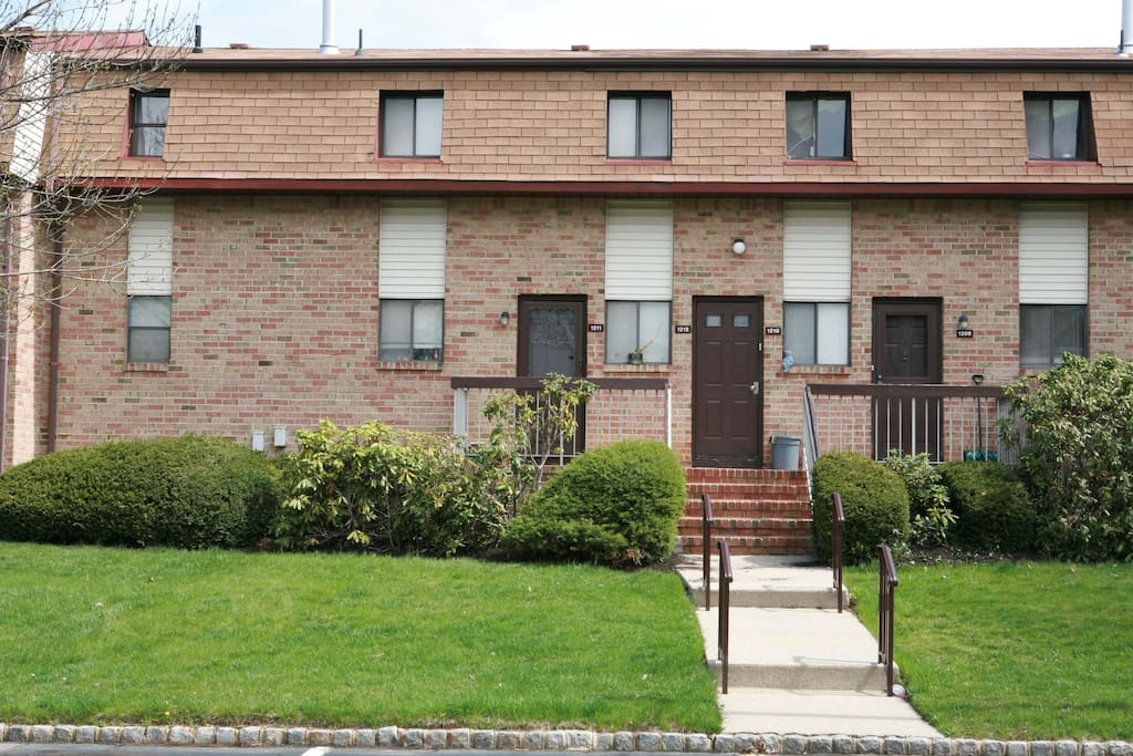 Spacious 1 Bedroom Apartment 1212 Apartments For Rent In North Brunswick New Jersey United