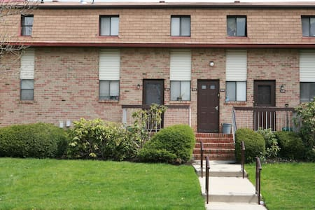Spacious 1 Bedroom apartment - 1212 - North Brunswick