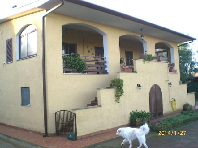 Villa Gaia - casale di campagna B&B