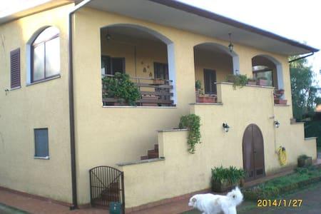 Villa Gaia - casale di campagna B&B - Velletri