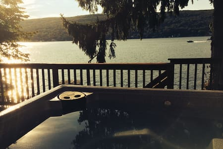 Stunning Lakehouse, 1 Hour fm NYC! - Greenwood Lake - Huis