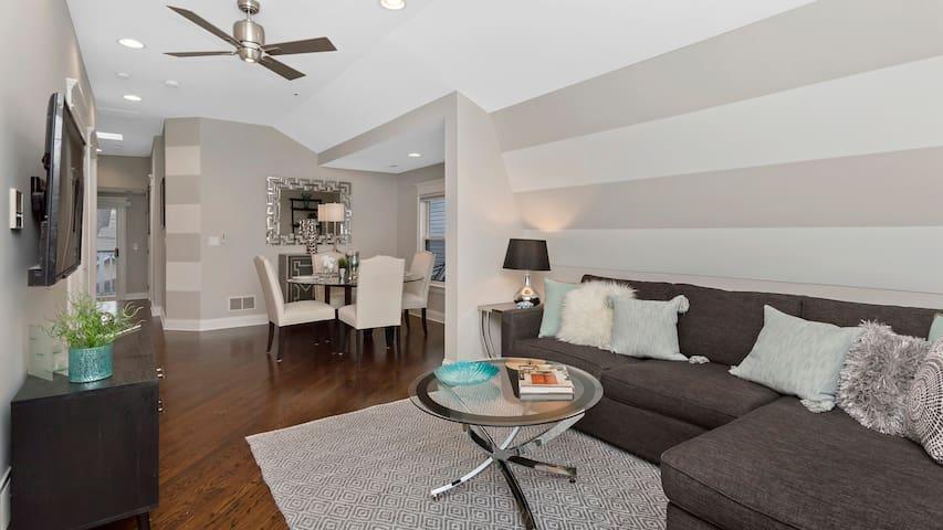 Luxurious Top Floor Apartment
