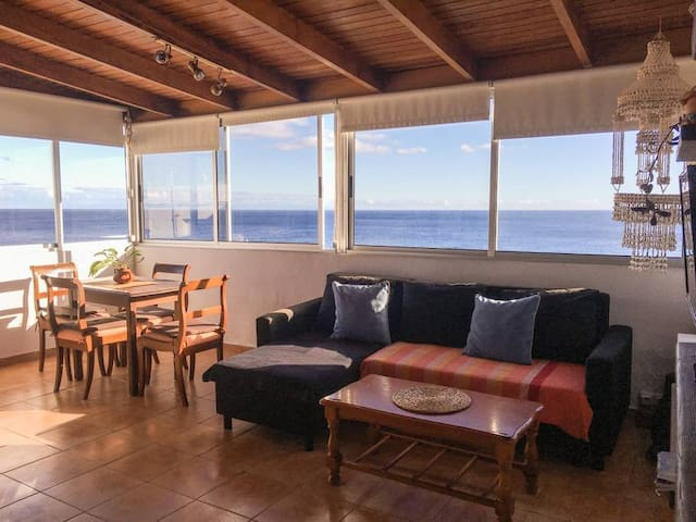 Beach House With Ocean Views * Balcony * 2BRs