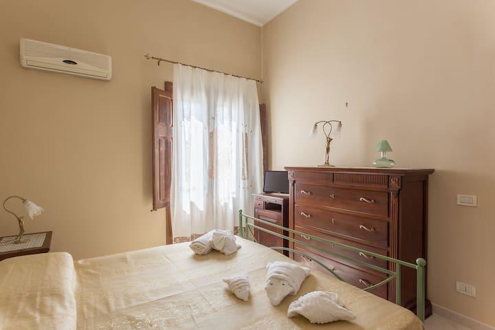 Camera privata con terrazza a 50 m dalla spiaggia - San Vito Lo Capo - Bed & Breakfast