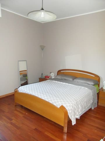 Nice double Room in Arese/Rho Fiera - Arese - Apartamento