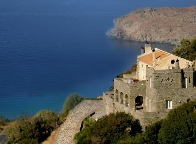 AEGEAN CASTLE- HONEYMOON SUITE WITH SEA VIEW