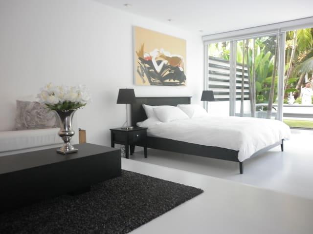 Livinghouse Thailand Guest Suite