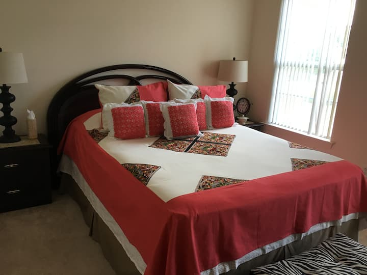 BR in Comfy House, Short Drive from AC & OC (A)