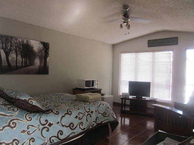 Private estudio in Ensenada - Ensenada - Lägenhet