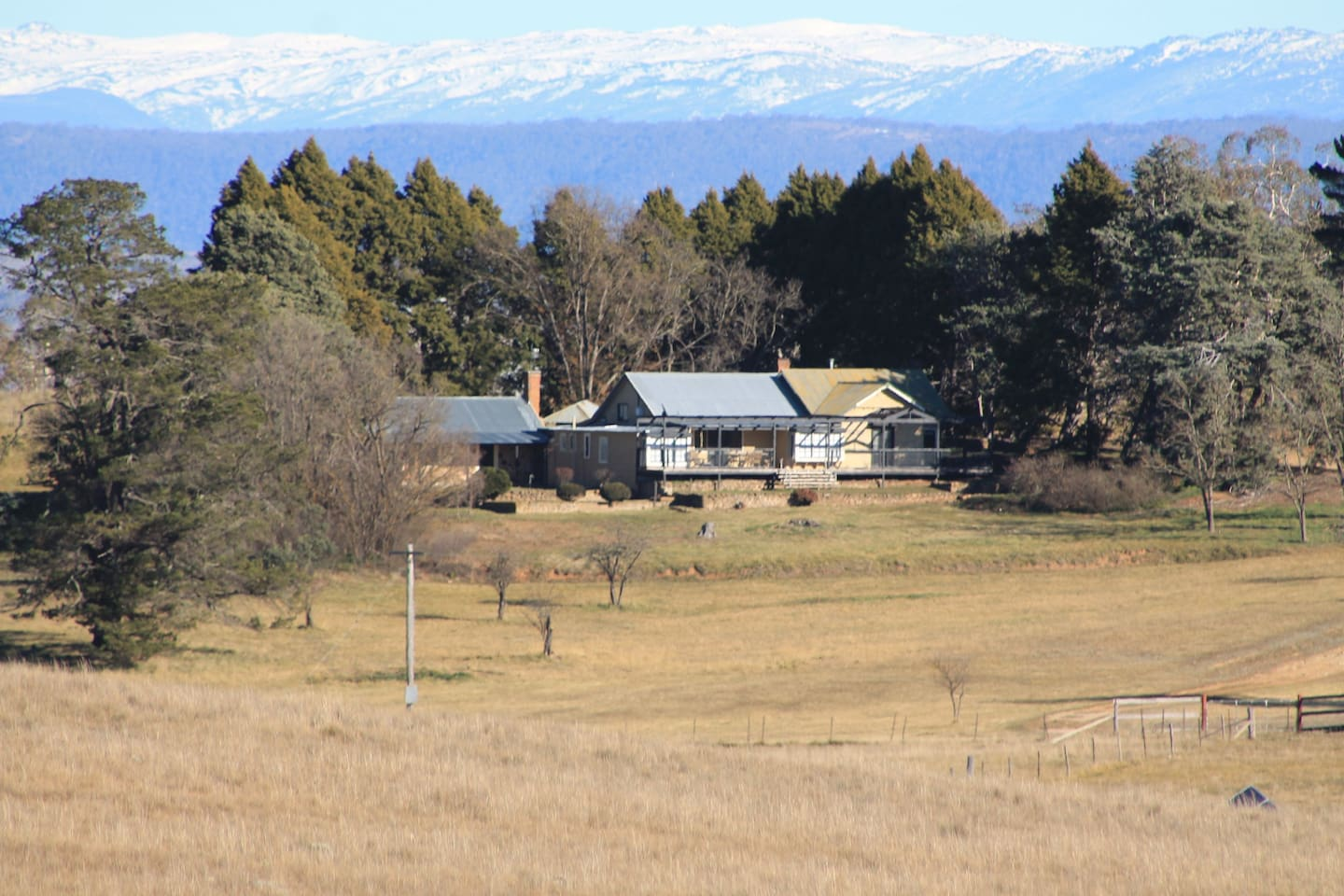 Property with Snowy Mountains in distance - 1hr 15Mins - back road via Dalgety to Perisher/Thredbo car parks
