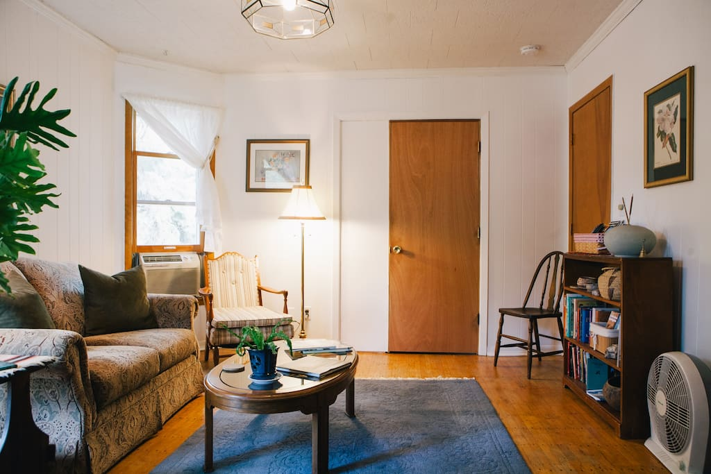 2nd Floor Sunny Apartment In Uptown Apartments For Rent In Minneapolis Minnesota United States