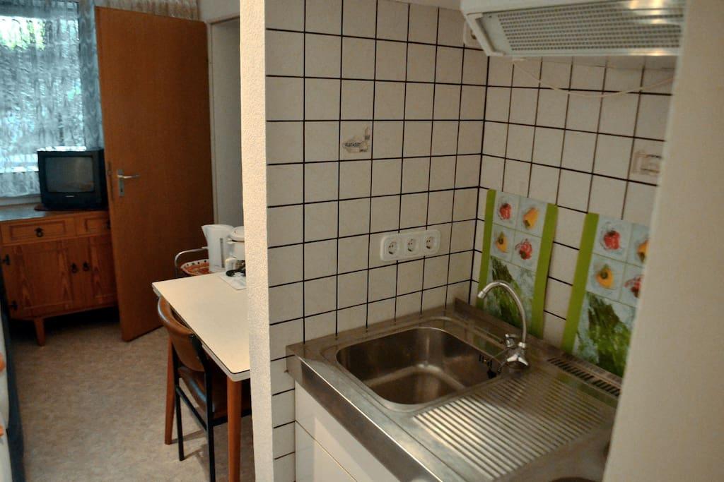 Studio zimmer f r 1 2 personen erdgeschoss for Zimmer 0 studios elda