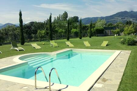 TUSCANY: VILLA WITH PRIVATE POOL  - Marlia