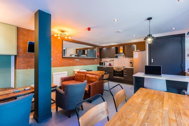 CoDE Co-Living - Twin Room