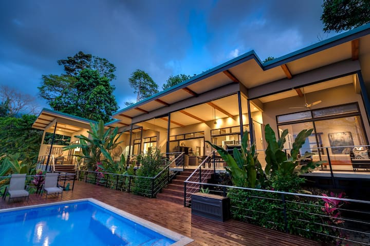 ***SPECIAL PRICES TICOS AND RESIDENTS $299 A NIGHT+ TAXES +AIRBNB FEE, HOME AWAY FEE*****