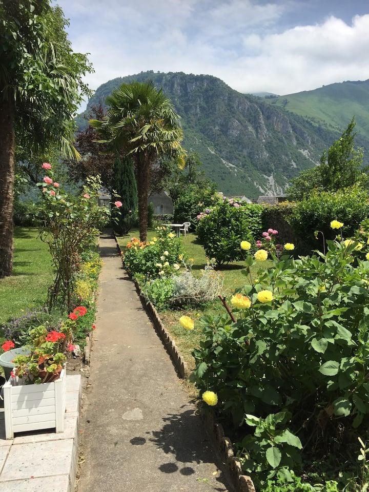 Spacieuse maison familiale  avec jardin