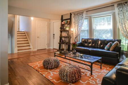 Stylish 3BR - 5 min from Downtown!