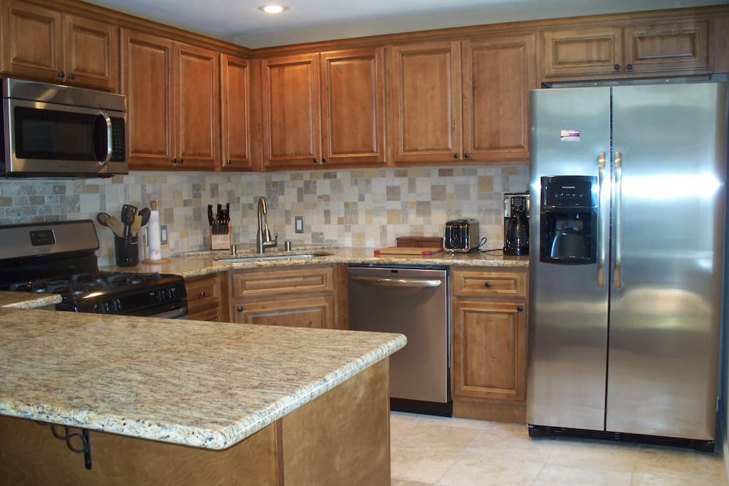 New Kitchen with beautiful granite counters - great for entertaining